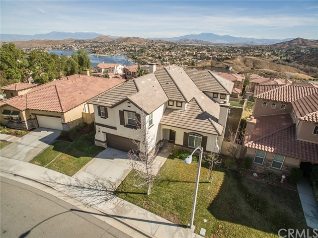 15 Plaza Valenza, Lake Elsinore, CA 92532
