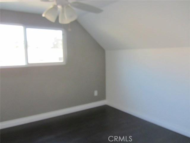 27510 14th Street, Highland CA: http://media.crmls.org/medias/13629de1-1c45-4284-b825-90c5c32b4098.jpg