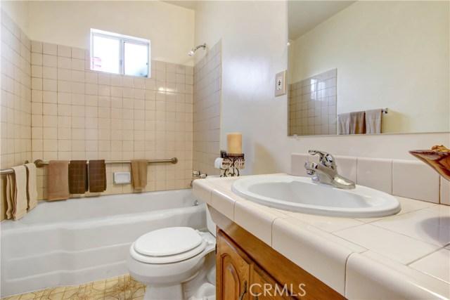 124 E 34th Street, San Bernardino CA: http://media.crmls.org/medias/136b800b-8030-4ff6-9eec-d83268eb2867.jpg