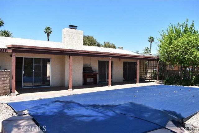 76917 New York Avenue, Palm Desert CA: http://media.crmls.org/medias/136e669d-cbd3-43ad-ad2c-d8a61ef679fd.jpg