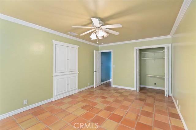 324 W Kendall Street, Corona CA: http://media.crmls.org/medias/1372d827-1080-4274-aaaa-4b08d640a2ee.jpg