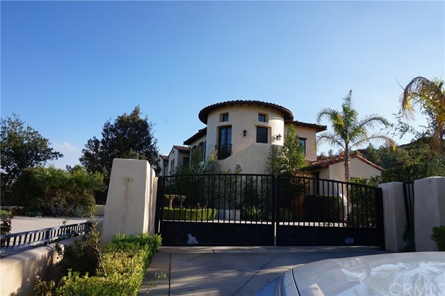 Single Family Home for Sale at 25784 Oak Meadow Drive 25784 Oak Meadow Drive Valencia, California 91381 United States