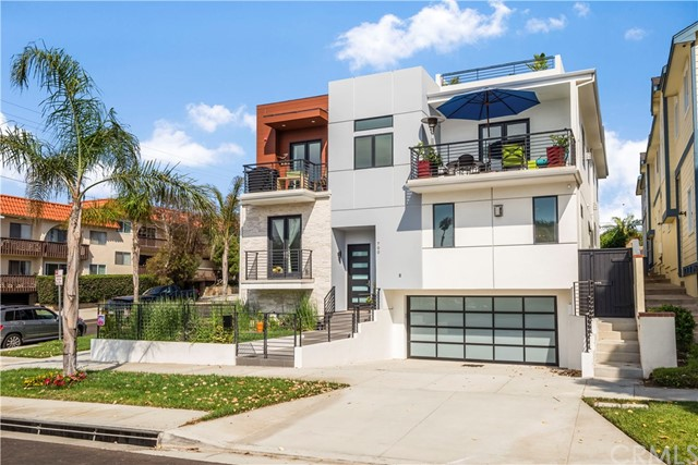 700 S Broadway, Redondo Beach in Los Angeles County, CA 90277 Home for Sale