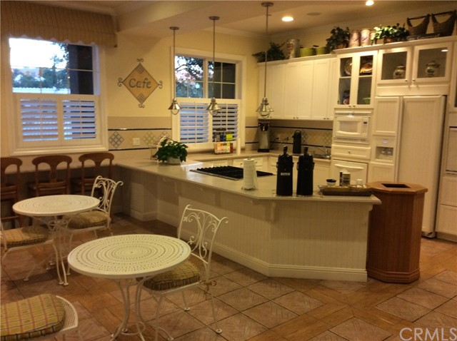 15723 Parkhouse Drive, Fontana CA: http://media.crmls.org/medias/13ad9b5e-5808-4ca5-bac0-d9a0dbd225ae.jpg