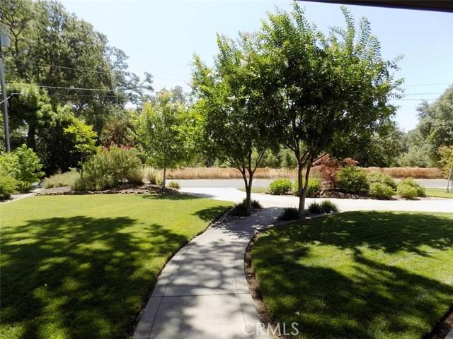 1992 Vallombrosa Avenue, Chico CA: http://media.crmls.org/medias/13b06d7a-ccb5-4993-9508-4fe8511d1da0.jpg