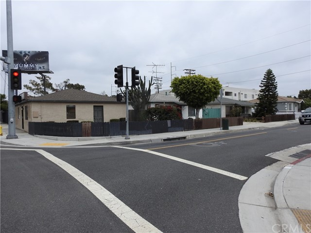 Single Family for Sale at 4578 Manhattan Beach Boulevard Lawndale, California 90260 United States