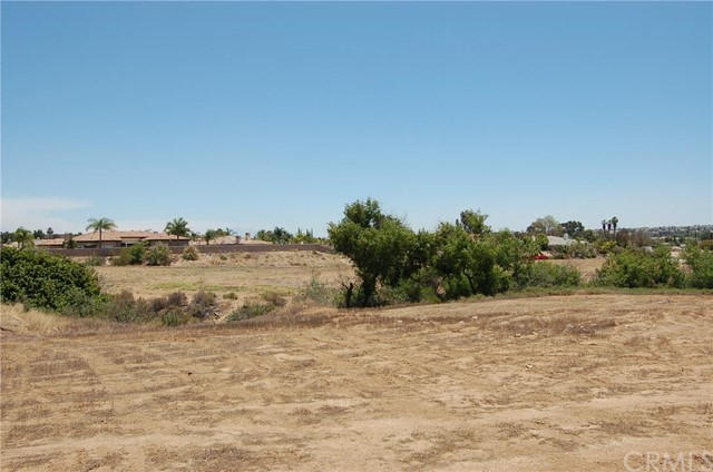 0 Pear Street, Riverside CA: http://media.crmls.org/medias/13bd06d5-582f-4d4d-aa78-b631d200f072.jpg