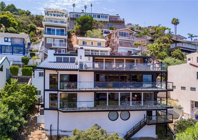 Single Family Home for Sale at 166 Middle Terrace Road Avalon, California 90704 United States