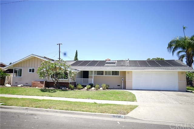 Single Family Home for Sale at 10701 Parliament Avenue Garden Grove, California 92840 United States
