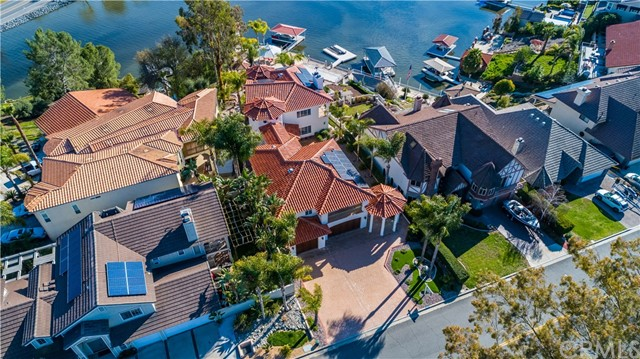 22411 Canyon Club Drive, Canyon Lake CA: http://media.crmls.org/medias/13c062c4-6f94-4d60-9303-b43180d67d46.jpg