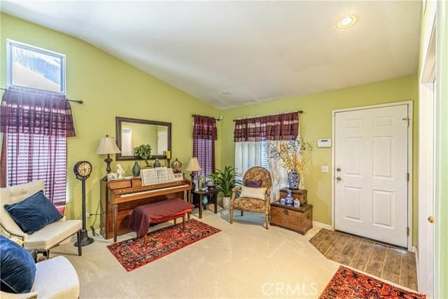 1863 W Avenue H8, Lancaster CA: http://media.crmls.org/medias/13cb17f5-a217-4db4-aafd-90a84a675bc2.jpg