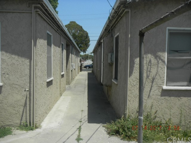 6121 Linden Avenue Long Beach, CA 90805 - MLS #: PW17162268