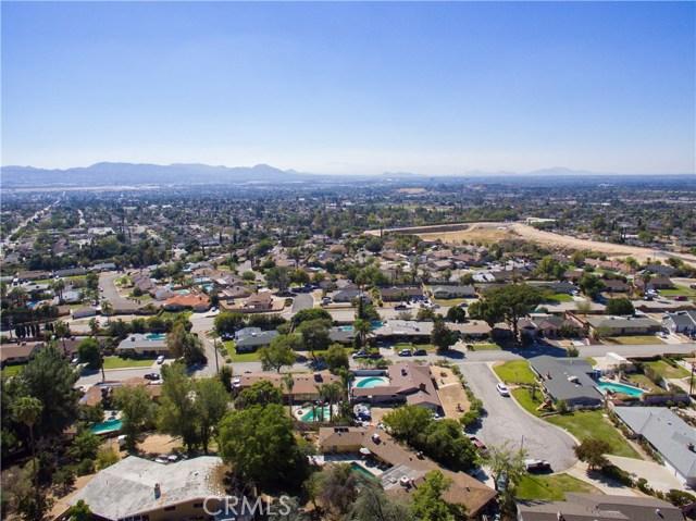 2351 Willow Drive, San Bernardino CA: http://media.crmls.org/medias/13f152ad-b534-443a-9ead-5c6b5aa990f1.jpg