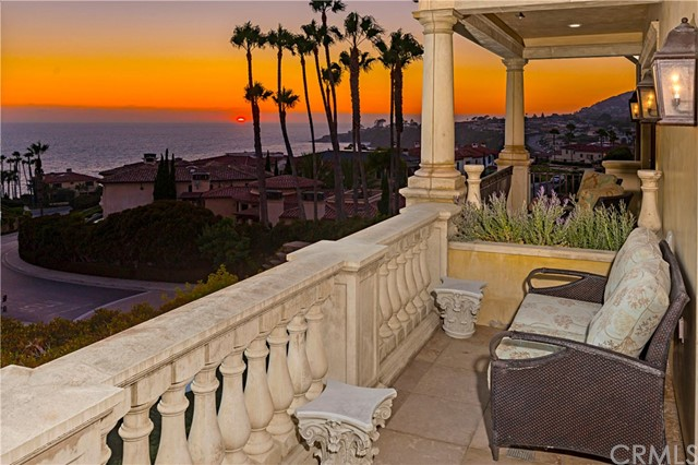 101 Ritz Cove Drive, Dana Point CA: http://media.crmls.org/medias/13f37320-6865-424b-9568-1be9133dfbae.jpg