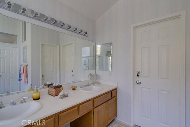 20912 MORNINGSIDE Drive, Rancho Santa Margarita CA: http://media.crmls.org/medias/13f778e5-9c66-4979-82a9-1610ebae5bd6.jpg