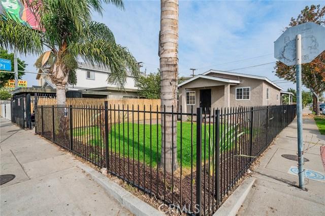 8230 Compton Avenue, Los Angeles CA: http://media.crmls.org/medias/13f85564-df38-4553-824c-acb4732c1e1b.jpg