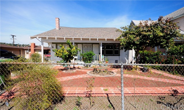 Single Family Home for Sale at 233 Avenue 38 E Lincoln Heights, California 90031 United States