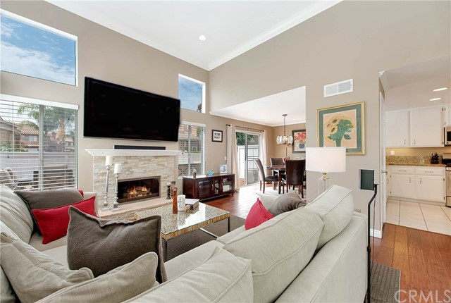 Photo 2 for Listing #OC17171070
