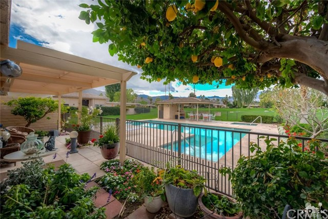 74921 Chateau Circle, Indian Wells CA: http://media.crmls.org/medias/142b3736-fc20-4f61-9e79-18318bff03bc.jpg