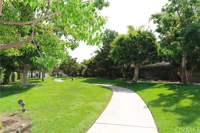 18611 Park Ridge Lane, Huntington Beach CA: http://media.crmls.org/medias/1436936d-59c6-440f-95ac-896ec3295fe1.jpg
