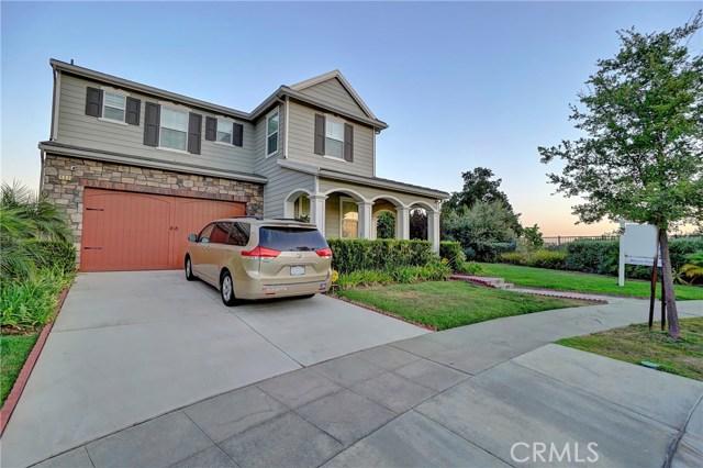 Casa Unifamiliar por un Venta en 494 E Oak Court Azusa, California 91702 Estados Unidos