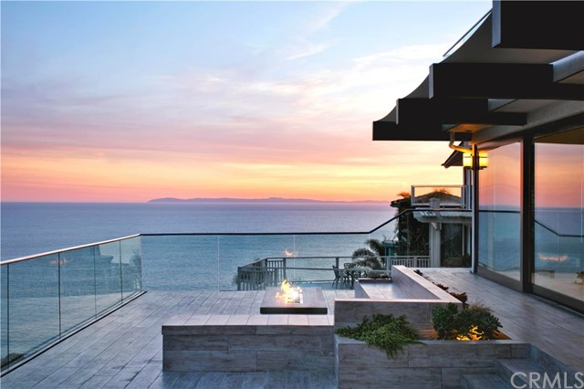 Single Family Home for Sale at 645 Nyes Place Laguna Beach, California 92651 United States