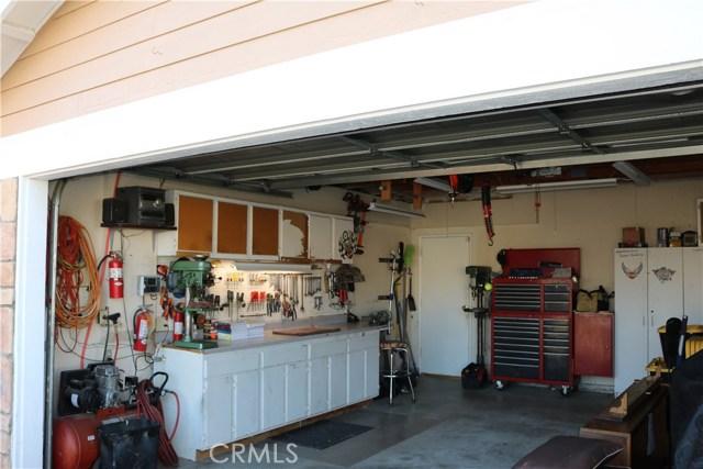 359 Flordason Drive, Calimesa CA: http://media.crmls.org/medias/14479aaa-d417-4f06-b162-7a7c2da568e9.jpg