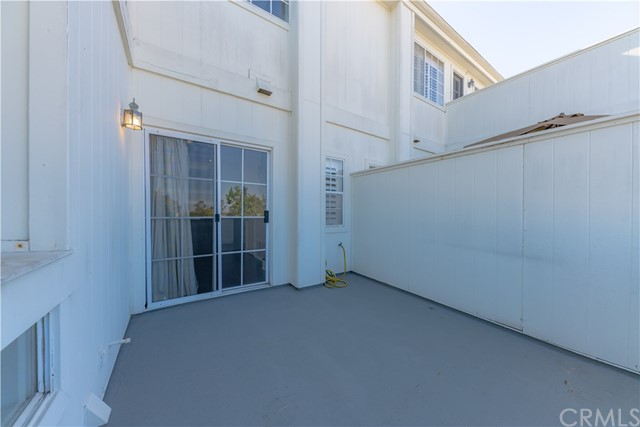18765 Chapel Lane, Huntington Beach CA: http://media.crmls.org/medias/14552431-36ea-4dc8-b884-8bf2b3508fb8.jpg