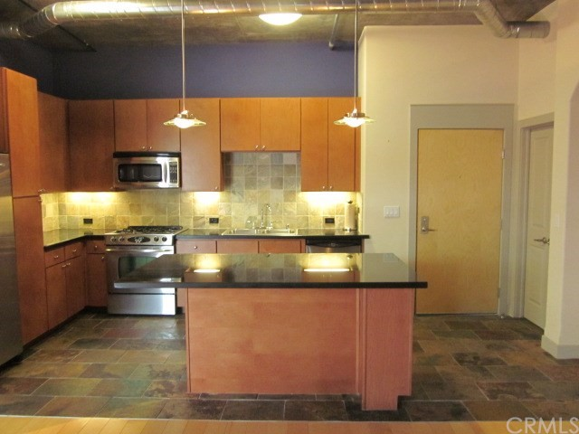 840 E Green Street 421 , CA 91101 is listed for sale as MLS Listing AR18132068