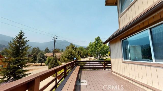 16425 Huron Drive, Pine Mountain Club CA: http://media.crmls.org/medias/14658ba6-fae5-4a31-9205-c39a55d68f45.jpg