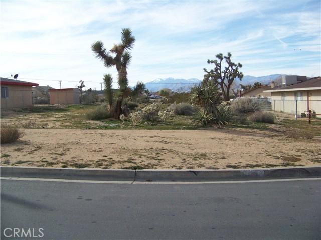 1 Goleta Avenue, Yucca Valley CA: http://media.crmls.org/medias/1465a286-b14c-40eb-9d16-b37f2436d583.jpg