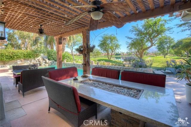 54015 Southern Hills, La Quinta CA: http://media.crmls.org/medias/14702578-efdb-4a4a-a9b6-f8cc3e7a8fff.jpg