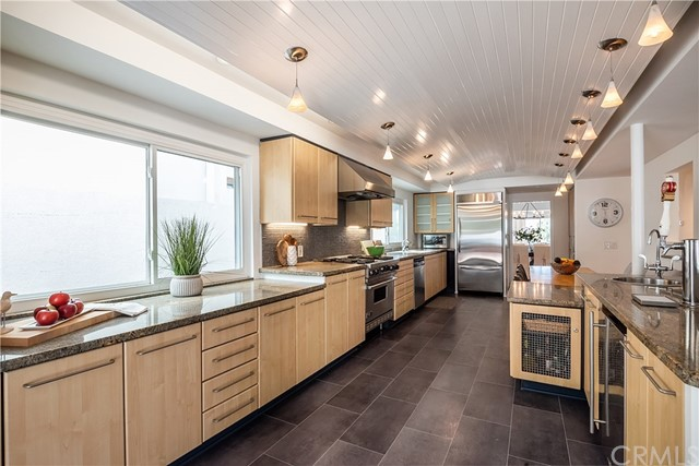 2204 Agnes Road, Manhattan Beach, California 90266, 4 Bedrooms Bedrooms, ,3 BathroomsBathrooms,Single family residence,For Sale,Agnes,SB19228681