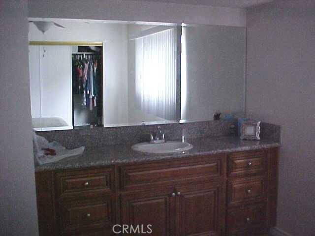 11990 Old River School Road, Downey CA: http://media.crmls.org/medias/148462a8-0a56-44fb-96f7-146e5a3d0a1b.jpg