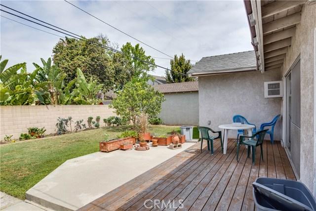 1817 Ashbrook Av, Long Beach, CA 90815 Photo 4