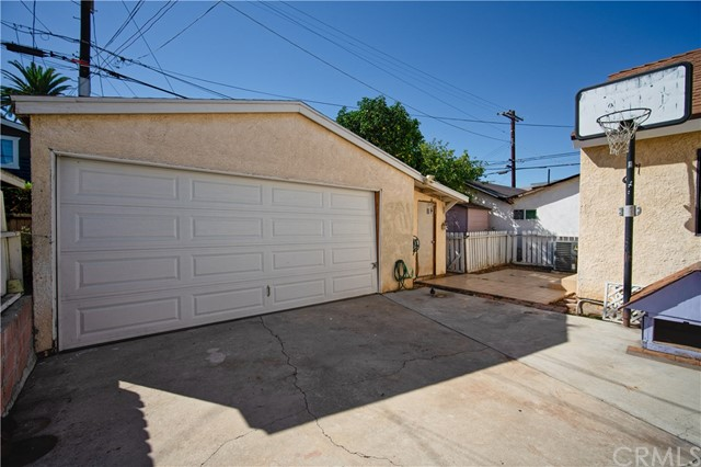 339 N Harvard Bl, Los Angeles, CA 90004 Photo 17