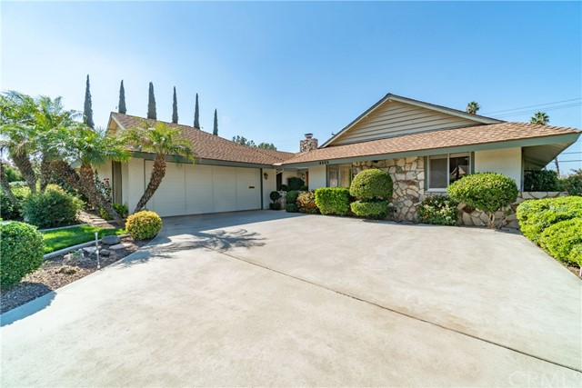 Detail Gallery Image 1 of 31 For 4989 Chapala Dr, Riverside, CA, 92507 - 3 Beds | 2 Baths