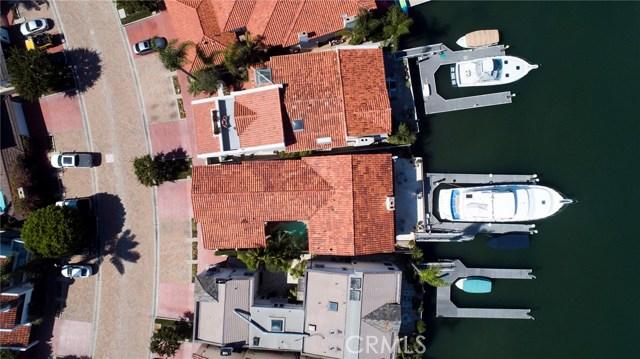5 Linda Isle, Newport Beach CA: http://media.crmls.org/medias/14b15fa3-6a4d-4126-8a10-95693de05eb3.jpg