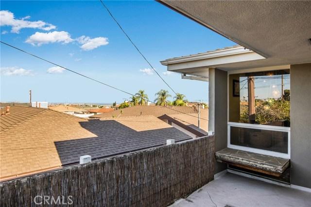 730 Oro Terrace, San Pedro CA: http://media.crmls.org/medias/14b698f5-d67a-4a7b-b4c8-4f3c6415319c.jpg