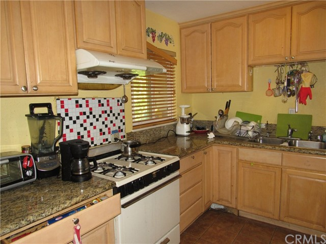 2104 Continental Avenue, Costa Mesa CA: http://media.crmls.org/medias/14be9591-44a7-4f4e-b162-7e6f95879a7d.jpg