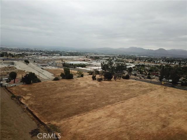 2226 Foothill Boulevard, San Bernardino CA: http://media.crmls.org/medias/14d12079-abe4-436d-9753-1c91d03f452e.jpg