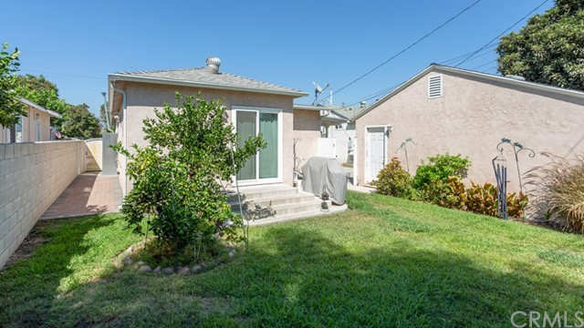 10524 Emery Street, El Monte CA: http://media.crmls.org/medias/14db113d-0817-464c-8cb6-f23e8df98900.jpg