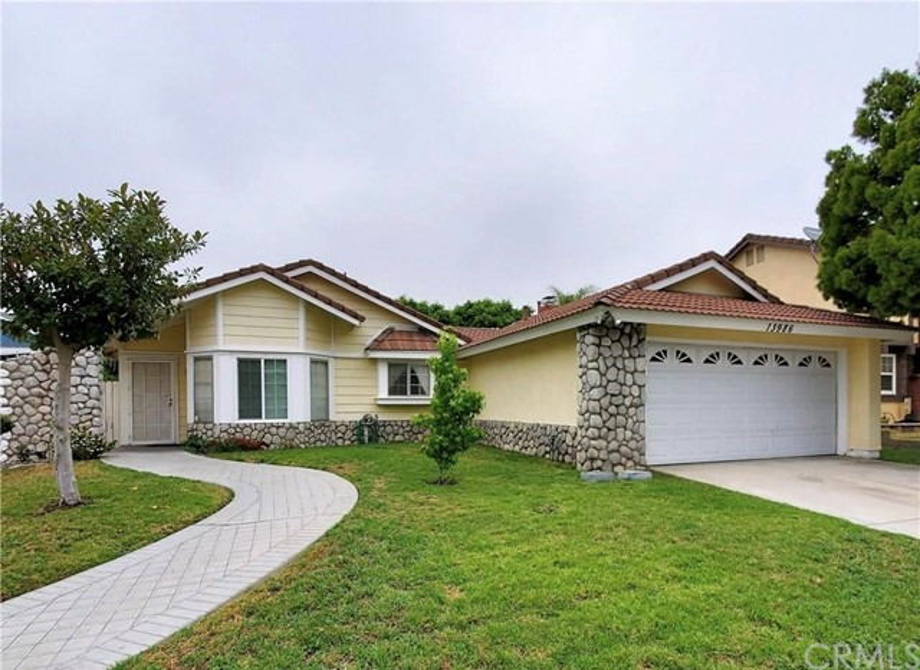 13986 El Contento Avenue Fontana CA 92337
