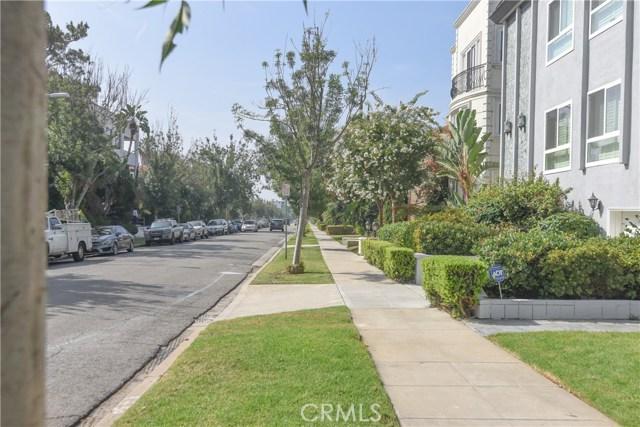 121 S Elm Drive, Beverly Hills CA: http://media.crmls.org/medias/14e7be5c-2c14-4fdf-9c9a-9f00c3223fd5.jpg