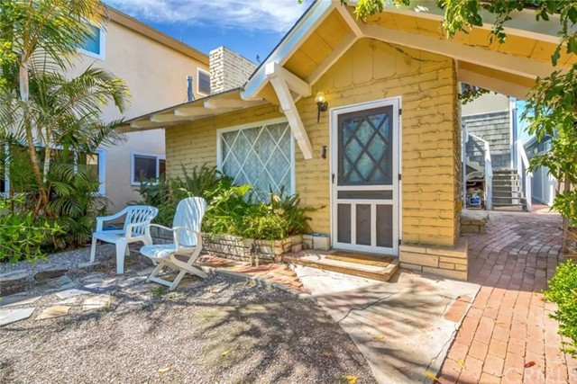 619 Iris Avenue Corona del Mar, CA 92625