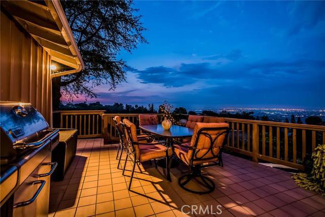 8 Coach Road, Rancho Palos Verdes CA 90275