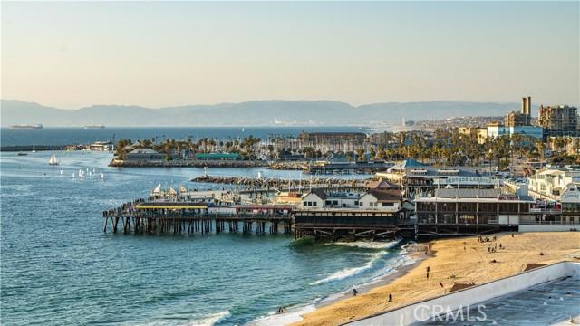 531 Esplanade, Redondo Beach CA: http://media.crmls.org/medias/14fa48b7-9687-4028-a001-a4b61d849383.jpg