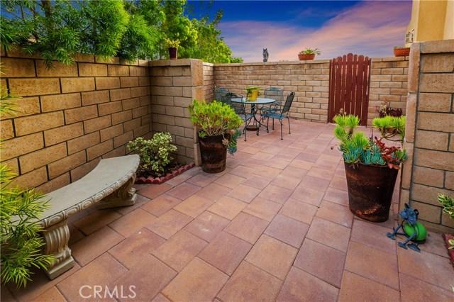 1159 N Lopez Lane, Azusa CA: http://media.crmls.org/medias/1512f290-996d-4523-8f19-3acfb754bee0.jpg