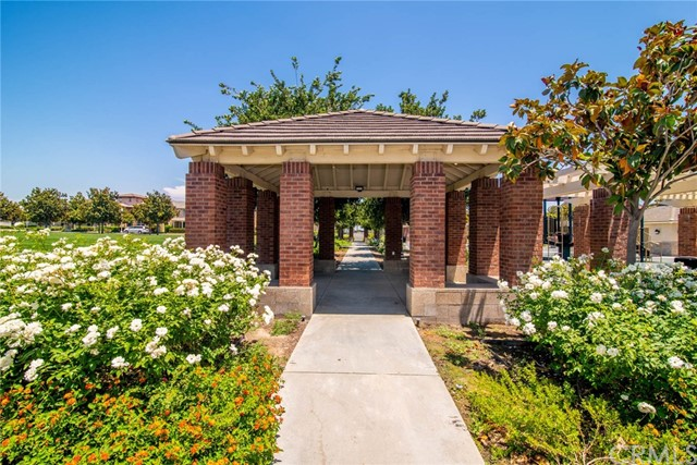 16010 Huntington Garden Avenue, Chino CA: http://media.crmls.org/medias/1512fc9a-339b-4e94-9612-496d7f22da9a.jpg