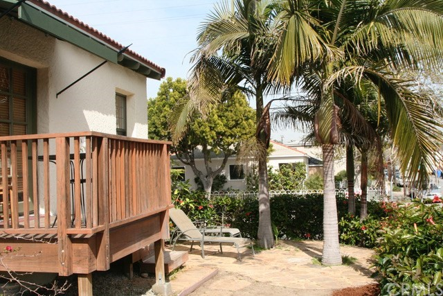 2652 7th Street, Santa Monica CA: http://media.crmls.org/medias/15194579-7436-4969-a85c-845fecdd039f.jpg